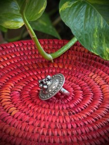 ANTIQUE EMBOSSED FLORAL GHUNGROO RING