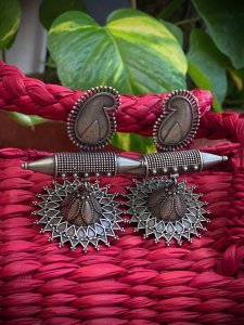ANTIQUE PAISLEY EARRING
