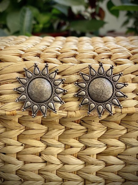 ANTIQUE SURYA STUD