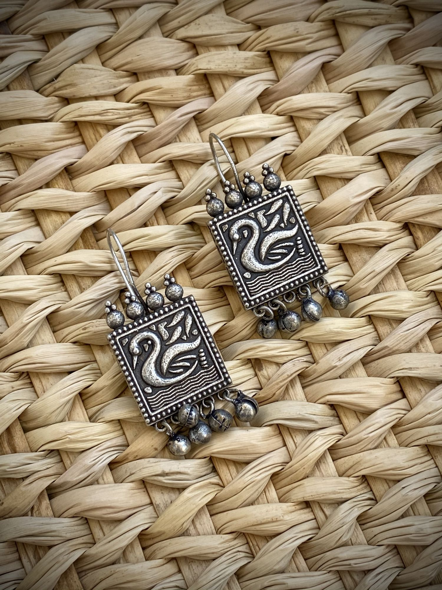 ANTIQUE SWAN SQUARE EARRINGS
