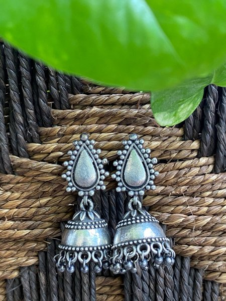 ANTIQUE PEARL DROP JHUMKA