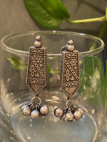 ANTIQUE FLORAL EMBOSSED EARRING